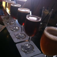 Photo taken at Nodding Head Brewery & Restaurant by Janin M. on 8/26/2012
