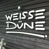 Photo taken at Strandrestaurant WEISSE DÜNE by Gero P. on 9/17/2011