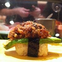 10/27/2011 tarihinde Gary C.ziyaretçi tarafından Sushi of Gari'de çekilen fotoğraf