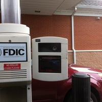 pnc bank with change machine