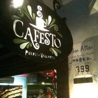 Foto tomada en Cafesto por Mike R. el 12/28/2011