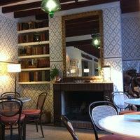 Das Foto wurde bei Cappuccino Valldemossa von Madro E. am 1/9/2012 aufgenommen