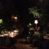 Foto tirada no(a) Constantino Café por Carlos S. em 7/16/2012