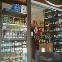 Foto tirada no(a) Bordeaux Adega e Bistrô por Nathalia F. em 12/20/2011