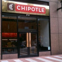 Photo taken at Chipotle Mexican Grill by Janice N. on 9/17/2011