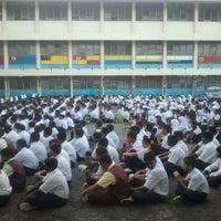 Photo taken at Sekolah Kebangsaan Puchong Jaya by Yusdi Y. on 1/3/2012