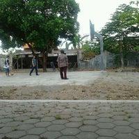 Photo taken at Indomaret Sono Sewu by yuditia p. on 10/25/2011