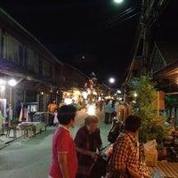Снимок сделан в Chiang Khan Walking Street пользователем ศิวรุฒ ห. 5/3/2012