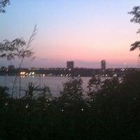 Foto scattata a Riverside Park - 91st Street Garden da Irina S. il 6/29/2012