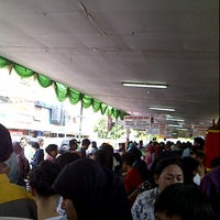 Photo taken at Pusat Jajanan Buka Puasa Pasar Benhil by ♥♡♥Ririe♥♡♥ on 8/1/2011