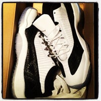 Photo taken at Nike Factory Store by Giovanni H. on 4/18/2012