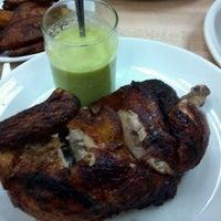 Foto tomada en La Casa del Pollo Peruano II por Manny L. el 1/9/2012