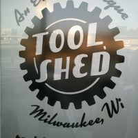 Foto tomada en The Tool Shed: An Erotic Boutique  por Ben R. el 8/30/2012