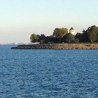 รูปภาพถ่ายที่ Promontory Point Park โดย Laurassein เมื่อ 8/21/2012