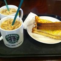 Photo taken at Starbucks by Yongtaek K. on 3/25/2012