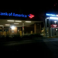 Photo taken at Bank of America by Yasiel S. on 3/28/2012
