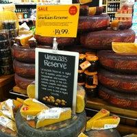 Foto tomada en Whole Foods Market por eJNA el 6/1/2012