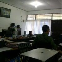 Photo taken at Dinas Bina Marga Kota Banjarmasin by Rayze A. on 4/2/2012