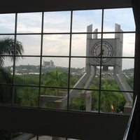 Photo taken at Mahkamah Tinggi Shah Alam by Adeep on 3/28/2012