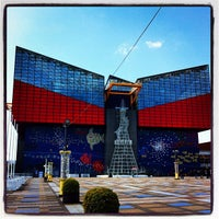 Photo taken at Osaka Aquarium Kaiyukan by Kuni I. on 2/12/2012