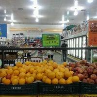 Foto tirada no(a) Giassi Supermercados por André M. em 5/26/2012