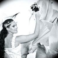 Foto tirada no(a) Nishi Royale - Vestidos para Festas e Noivas por Ana T. em 2/8/2012