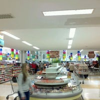 Photo taken at Supercenter Angeloni by Gustavo Meyer C. on 5/14/2012
