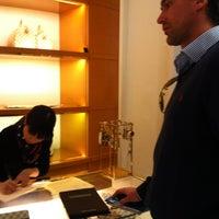 Das Foto wurde bei Louis Vuitton von Kim S. am 5/17/2012 aufgenommen
