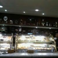 Foto tirada no(a) Café Baroni por Eduardo A. em 8/6/2012