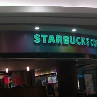 Photo taken at Starbucks by ryolasta on 8/18/2012