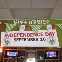 Photo taken at El Trio Mexican Grill by El chago on 9/7/2012