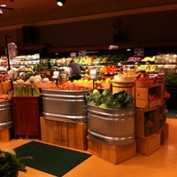 Photo taken at Wynn's Market by Fabio R. on 3/17/2012