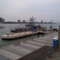 Das Foto wurde bei Detroit RiverWalk von Joe M. am 9/5/2012 aufgenommen