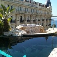 Photo prise au 3.14 Hôtel par Klena K. le5/11/2012
