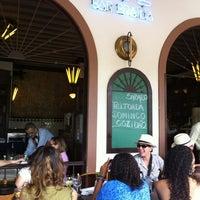 Foto tirada no(a) Bar Brasília por Alexandre N. em 4/28/2012