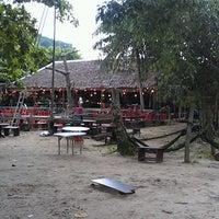 Photo taken at Khunthai Authentic Thai Restaurant by Johnny K. on 5/31/2012