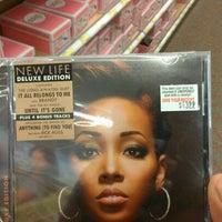 Das Foto wurde bei Target von Dee B. am 4/10/2012 aufgenommen