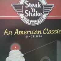Photo taken at Steak 'n Shake by TL J. on 5/16/2012