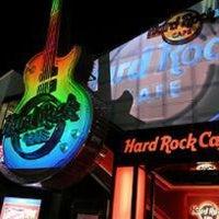 Photo taken at Hard Rock Cafe Tokyo by B.J. S. on 7/21/2012