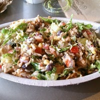 Photo taken at Chipotle Mexican Grill by Victor A. on 4/6/2012