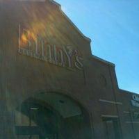 รูปภาพถ่ายที่ Binny's Beverage Depot โดย oma t. เมื่อ 6/17/2012