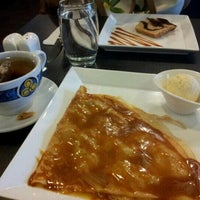 Photo taken at Entre-Nous Creperie by Soh Hoong L. on 8/4/2012