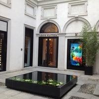 Photo taken at Louis Vuitton by Luiz Carlos K. on 7/21/2012
