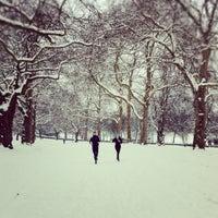 2/5/2012 tarihinde Annie H.ziyaretçi tarafından Finsbury Park'de çekilen fotoğraf