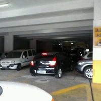 Photo taken at Garagem Siqueira Campos by Mauricio D. on 2/28/2012