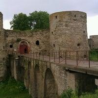 Снимок сделан в Копорская крепость пользователем Алексей Б. 6/17/2012