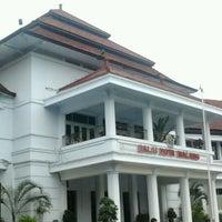 Photo taken at Balai Kota Malang by Mashendri on 1/8/2012