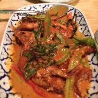 รูปภาพถ่ายที่ Palms Thai Restaurant โดย Angela W. เมื่อ 5/22/2012