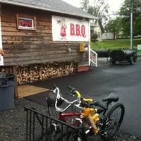 7/21/2012 tarihinde benjamin d.ziyaretçi tarafından Carolina Brothers Pit Barbeque'de çekilen fotoğraf