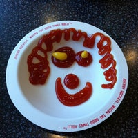 Photo taken at Johnny Rockets by Shannon L. on 6/27/2011
